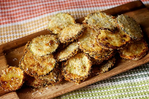 Cuketové chipsy s parmezánem