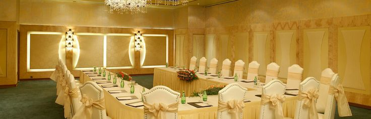 Hospitality, Services & Ambiance