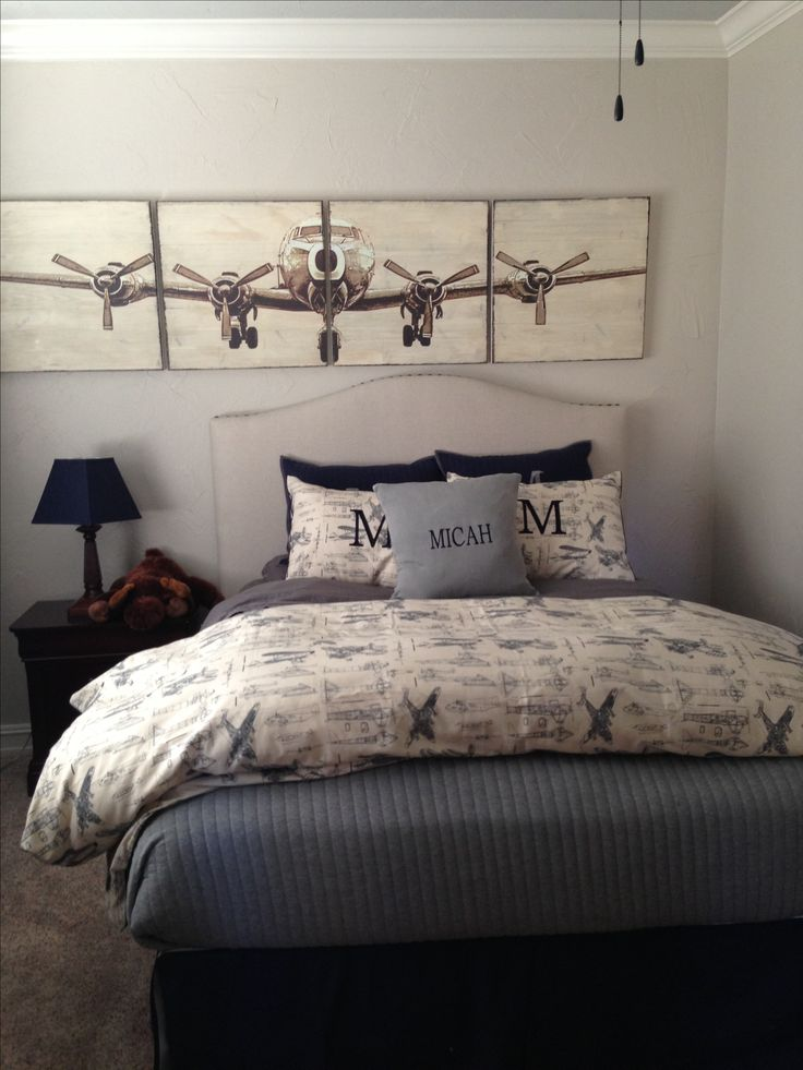 Boys vintage airplane room
