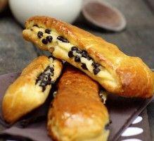 Recette - Brioches Suisse à la crème pâtissière et aux pépites de chocolat - Notée 4.2/5 par les internautes