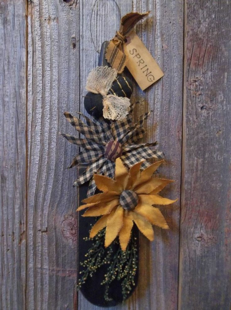 Handmade Primitive Wooden Hot Bath Sign Farmhouse Country: Primitive Handmade Fabric Daisies & Bee On Wood Kitchen