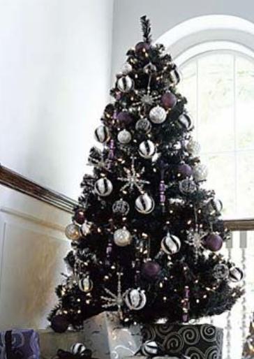 Black and Silver Christmas Tree.