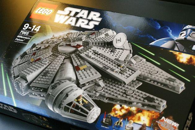 [Lego] Star Wars Faucon Millenium set 7965