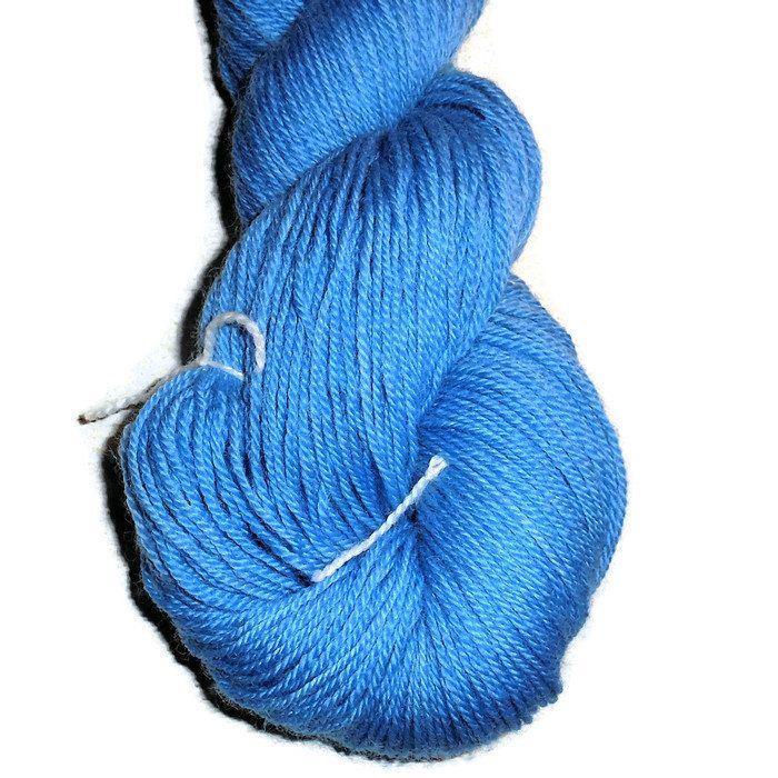 Skyblue Handdyed Corriedale Wool DK Weight Yarn, 3-ply, For Knitting, Crochet and Felting, Cobalt Blue Wool Yarn, EU-seller