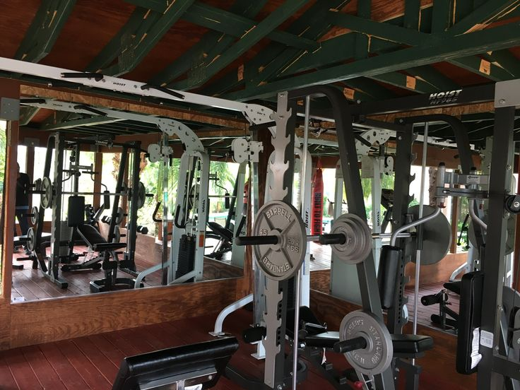 1000 ideas about gym mirrors on pinterest home gyms home gym design and mirror door. Black Bedroom Furniture Sets. Home Design Ideas