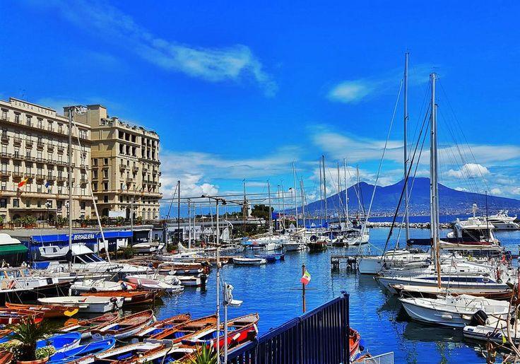 'È mille culure' #napoli #italia #italy #naples #sun #photo #photooftheday #igersnapoli #igersitalia #sud #f4f #follow4follow #instapic #instagram #napule by moneferre