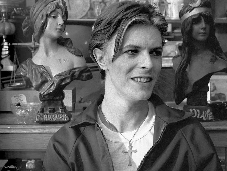 On the set of The Man Who Fell To Earth, 1975
