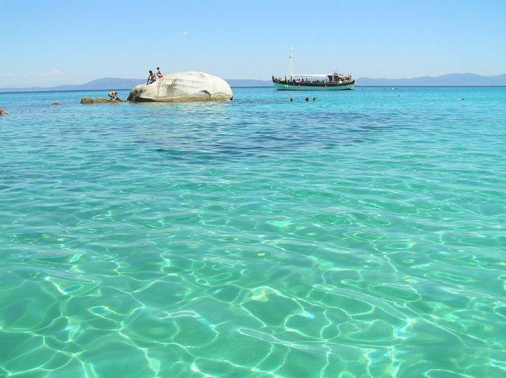 Νησάκια Βουρβουρούς: Ένας εξωτικός παράδεισος με τιρκουάζ νερά στο μεσαίο πόδι της Χαλκιδικής! | Greek Like