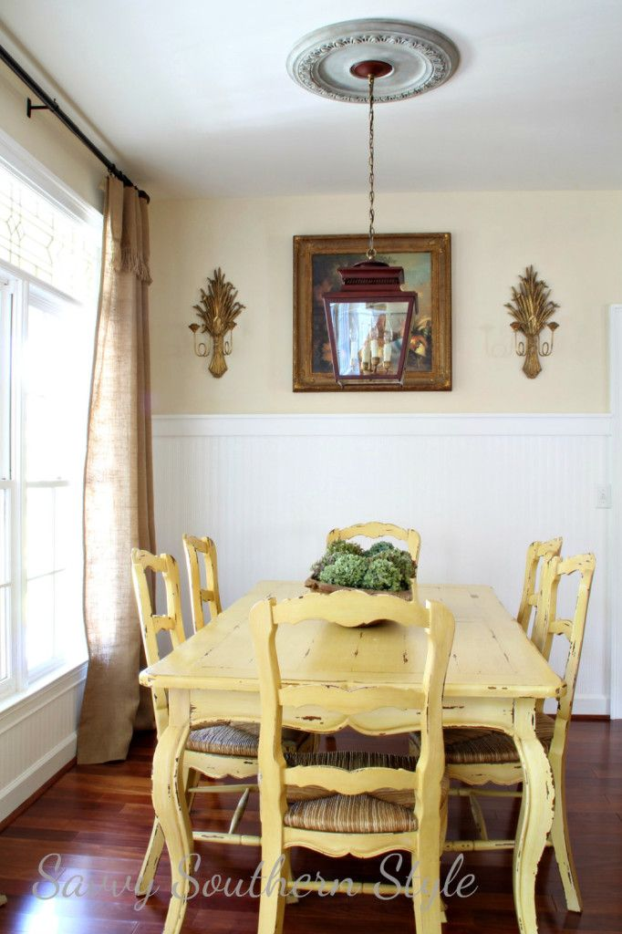 Love this buttery yellow color! Yellow Painted Dining Table by {Savvy Southern Style} #YellowDiningSet #PaintedFurniture