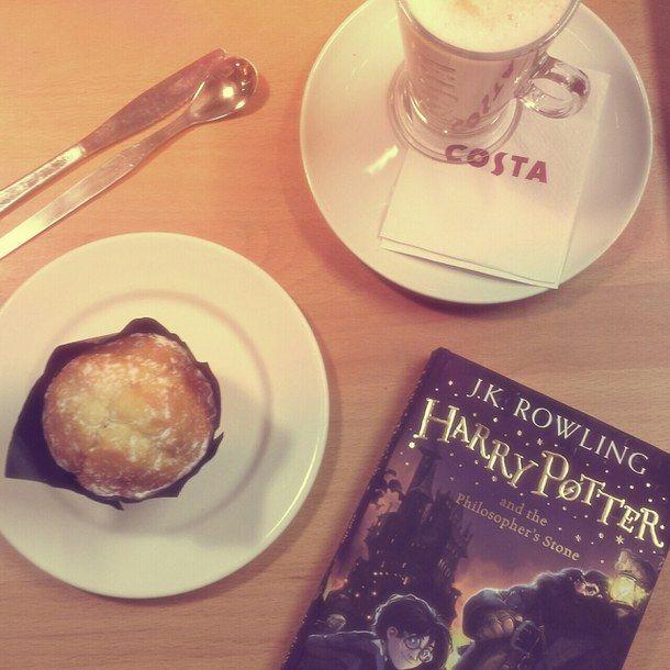 книга, книги, торт, кофе, кекс, напиток, еда, Гриффиндор, Гарри, Гарри Поттер, обед, Поттер, Starbucks