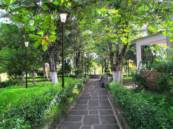 Parque Leonidas Medina -Bucaramanga - simulación con Hapiled de día