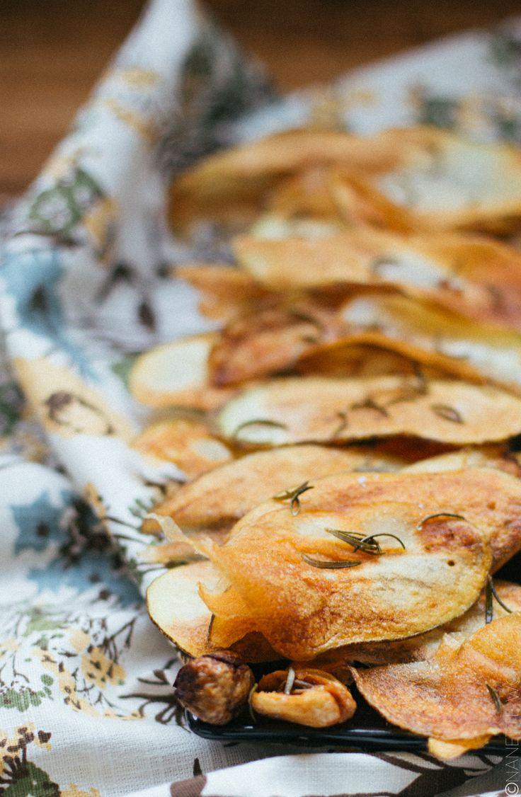 homemade rosemary garlic chips