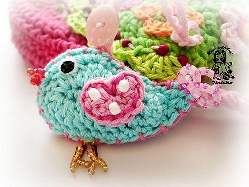 Birdie purse designed by Vendulka on http://www.kouzlenishackemajehlicemi.cz/: Crochet Birds, Crochet Bags Pur, Pur Pdf, So Cute, Liveinternet Российский, Pretty Birds, Crochet Birdies, Pdf Patterns, Birdi Pur