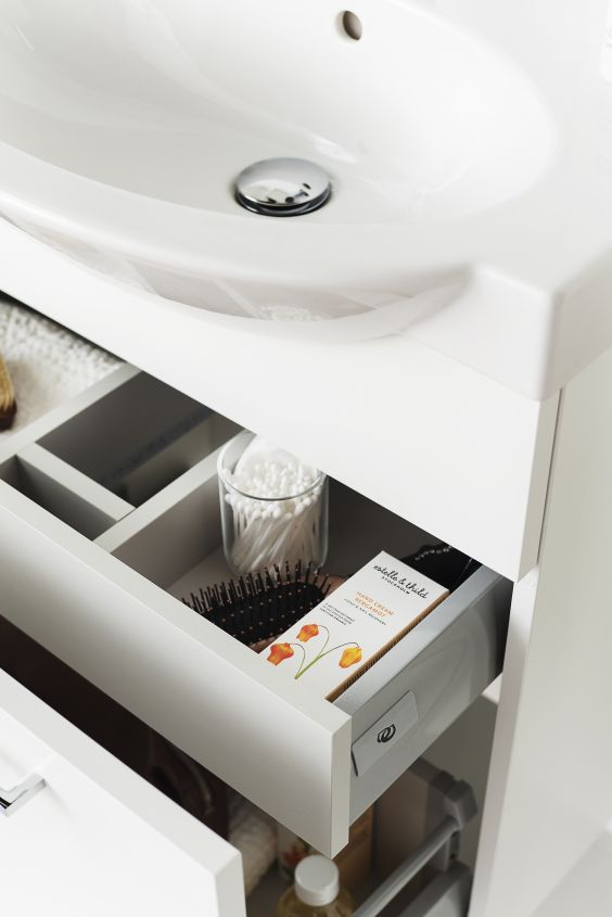 Kaappien laatikot avautuvat kokonaan, ja voit hyödyntää niiden tilat laidasta laitaan.