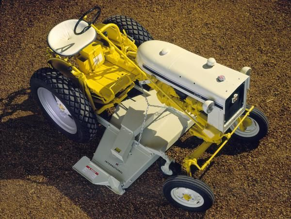 586961b579582c5e90f3f659cb86a820 yard tractors small tractors 289 best intl farmall cub & cub lo boy images on pinterest Ford Tractor Wiring Harness Diagram at webbmarketing.co