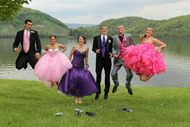 Prom picture ideas! Jumping picture