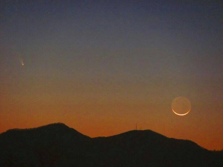 Comet and crescent Moon over the Smokey Mts.
