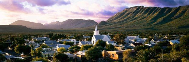 Prince Albert a small town in the #Great #Karoo, just over the #Swartberg #Mountains. Make a day trip from #Oudtshoorn over the #Swartberg #Mountains and then back to #Oudtshoorn with the #Meiringspoort gorge. A lovely scenic road. Worth doing on your next #holiday to #South-Africa and the #Klein #karoo.