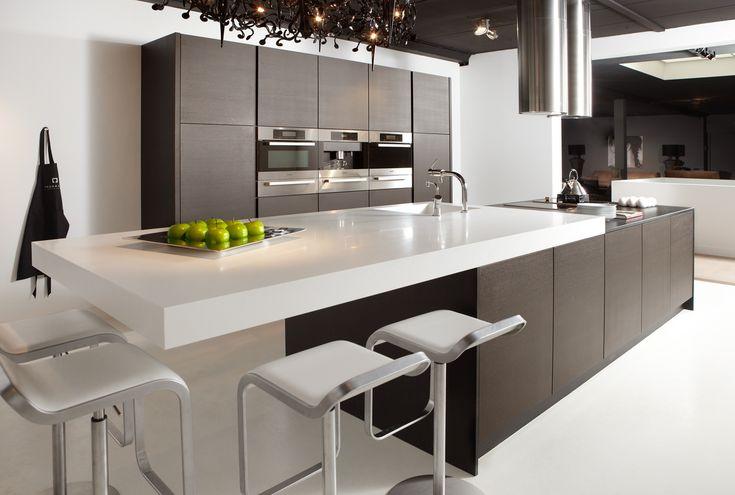Op zoek naar exclusieve keukens op maat? ✓ Eigen fabriek ✓ Advies aan huis ✓ Top service. Kom langs in onze showroom in Wanssum!