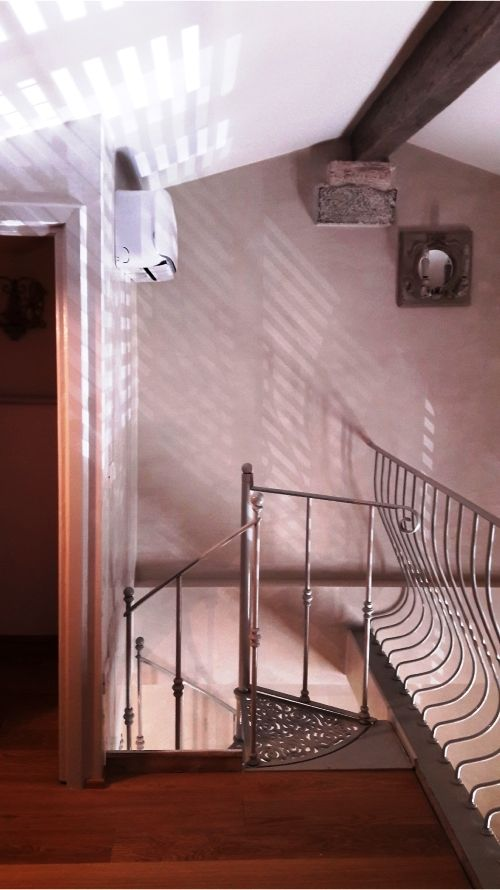 Scala a chiocciola modello Deco', diametro 115. Progettazione e styling Arch. Eva Majernikova.