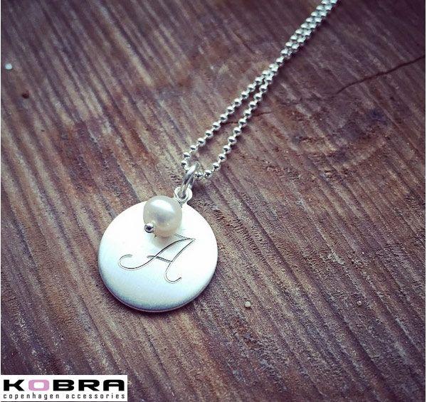 ID Tag med perle i sølv, inklusiv gravering