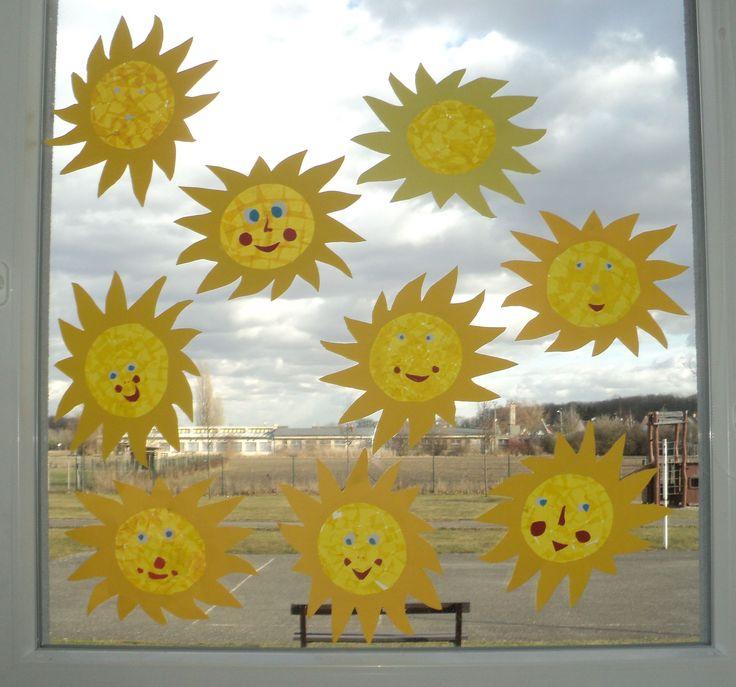 """Sluníčka - """"vitráž"""" z hedvábného a pauzovacího papíru - březen 2017"""