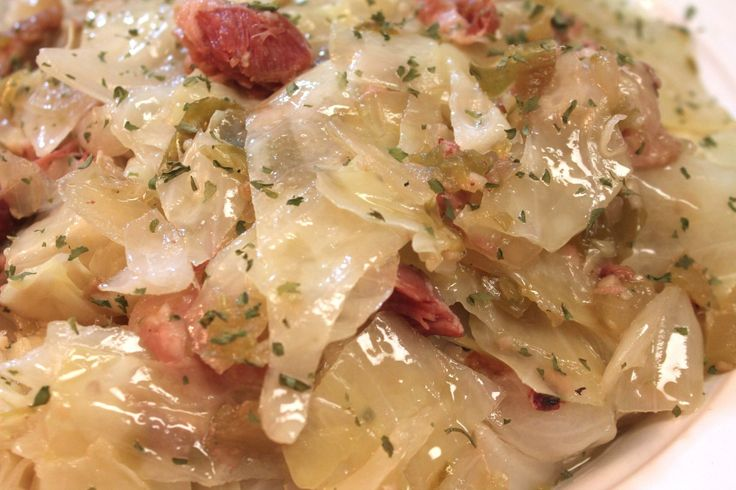 Southern, soul food style cabbage made in the slow cooker with smoked ham hocks, onions, garlic and more! Cabbage flavored with smoked ham hocks, celery, garlic, onions, and bell peppers. Doesn&#82…