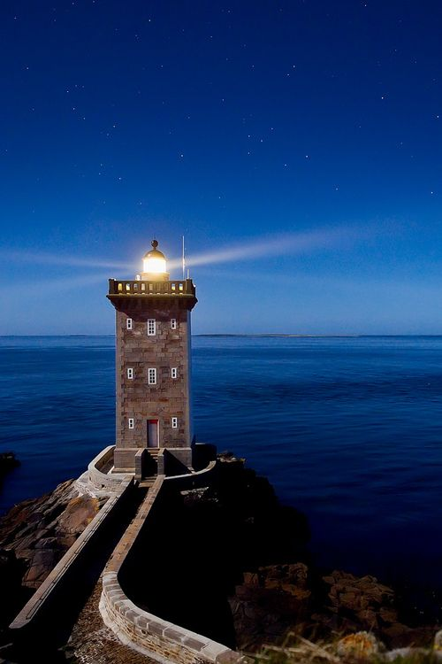 megazal: _4LN3892: Le phare de Kermorvan (via Brestitude)