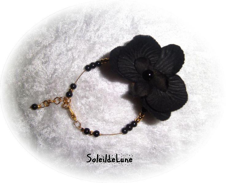 Bracelet Fleur Orchidée noire Perles fil doré Mariage fête soirée cérémonie : Bracelet par soleildelune-bijoux-mariage