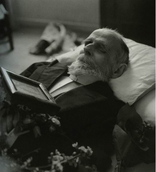 Νεκρικό πορτραίτο του Κωστή Παλαμά. Αθήνα, 27 Φεβρουαρίου 1943
