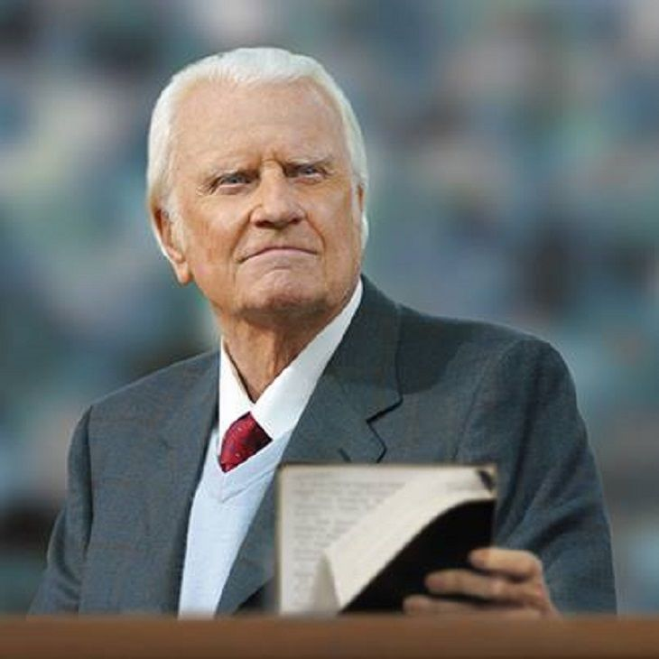 Admired evangelist Billy Graham is now 98-years-old and he has an important message to deliver to all of humankind before he passes away.