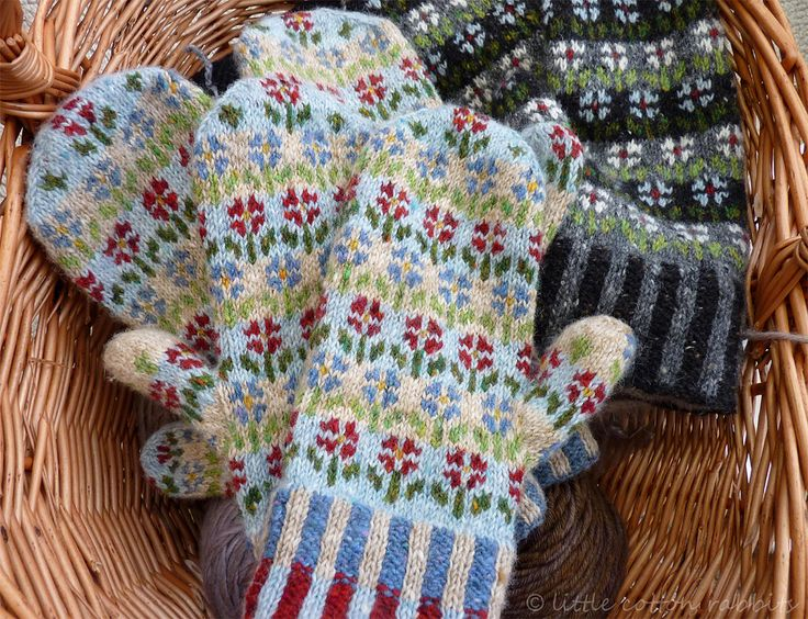 https://flic.kr/p/bbLQRg | mittens | from Kate Davies's wonderful pattern: www.ravelry.com/patterns/library/peerie-flooers-mittens I really do love this pattern