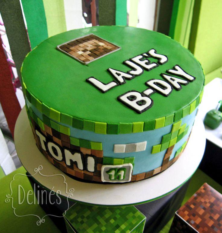 Torta Minecraft personalizada en cubierta de pasta de azúcar.