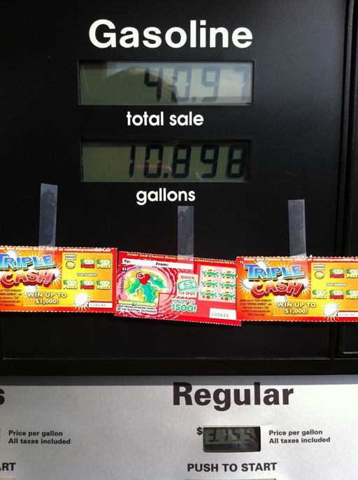 Random Acts of Kindness Week: Tape scratch tickets to a gas pump by Mom*Tog via Ashley Hackshaw / lilblueboo.com