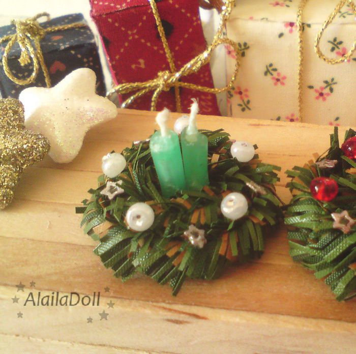 https://flic.kr/p/AYVR4s | Miniature Xmas Decorations Green Candles, Christmas Wreath, handmade 1:12 | Mini Decorations Candles (they are real from wax) - Made by me :) Height of Xmas Wreath is about 2,5 cm (1 inch), width 3 cm (1.2 inch)
