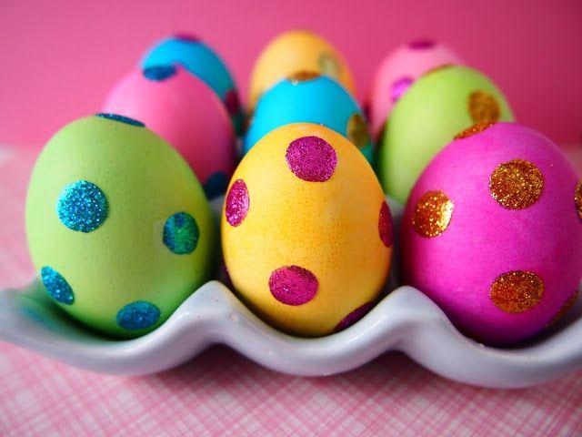 Ideen Bemalen Glitzernde Ostereier Kindern Punktchen Glitzerkleber