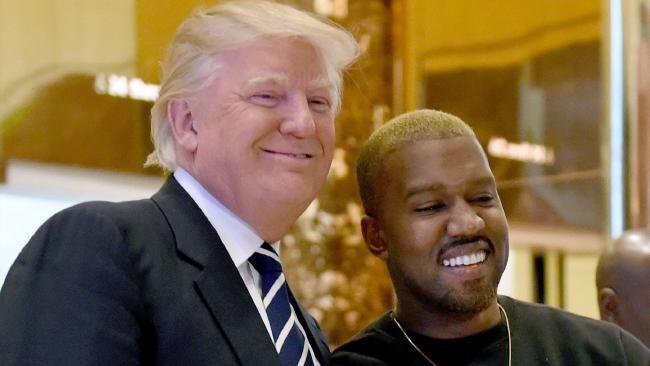 """""""Hemos sido amigos durante mucho tiempo"""", dijo el Presidente electo de EE.UU. Alrededor de las 9:15 de esta mañana, Kanye West, que hace como una semana estaba internado luego de una colapso psíquico entró teñido rubio a la Torre Trump, en Manhattan, para encontrarse conDonald Trump. Algo muy lógico. Como consignó TMZ, el rapero habría …"""
