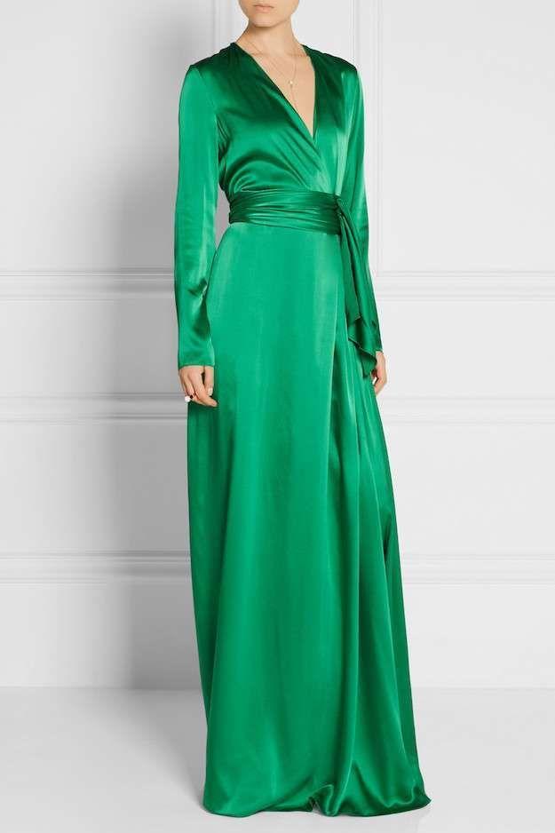 Elegante #Vestido de #Raso largo con cuerpo cruzado, #Manga larga y fajín en color verde esmeralda