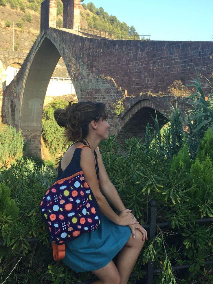 Mochila mujer estampado topos y manzanas: Bolso mochila mujer - Mochila tejana - Mochila ergonómica - Mochila de tela lila - uVe Original