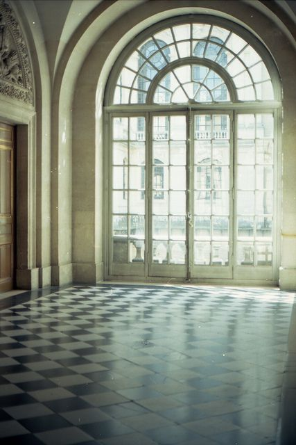 #versailles, paris... I'd sit on the floor in a room like that! Until of course I pinterested the ideas to decorate it!