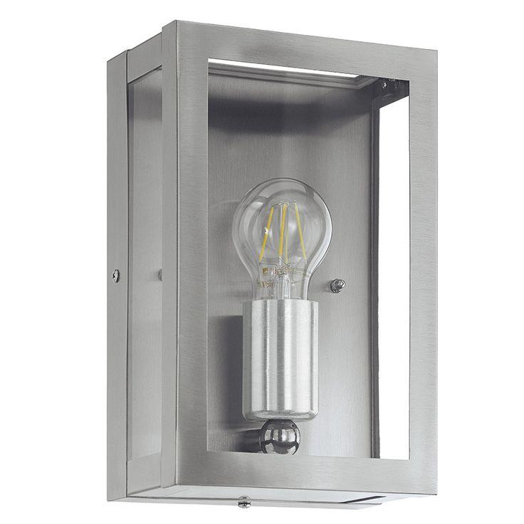 Alamonte Vegglampe Stål - Alamonte er en serie utelamper fra Eglo med enkel og populær design. Lampene er stilrene og utført i rustfritt stål med klart glass. Serien vil kunne dekke hele ditt behov for å lyssette hage og uteplass, og består av stolpe, hengende taklampe, plafond, vegglampe og bordlampe.