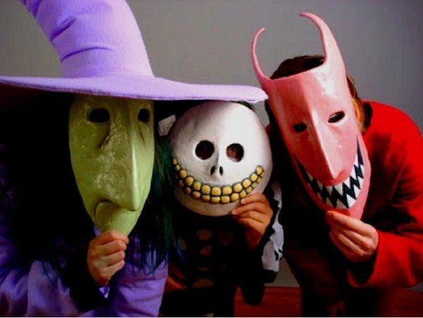 trois costumes de halloween