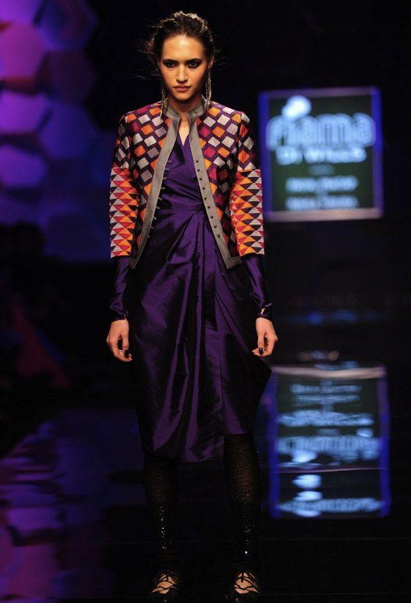 Scarlet Bindi - South Asian Fashion: Wills Lifestyle India Fashion Week Fall/Winter 2013: Day 4 & 5