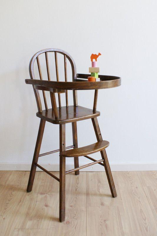 Oude vintage kinderstoel  Retro houten hoge stoel    Kunst en Kitsch   Flat Sheep   Voor de