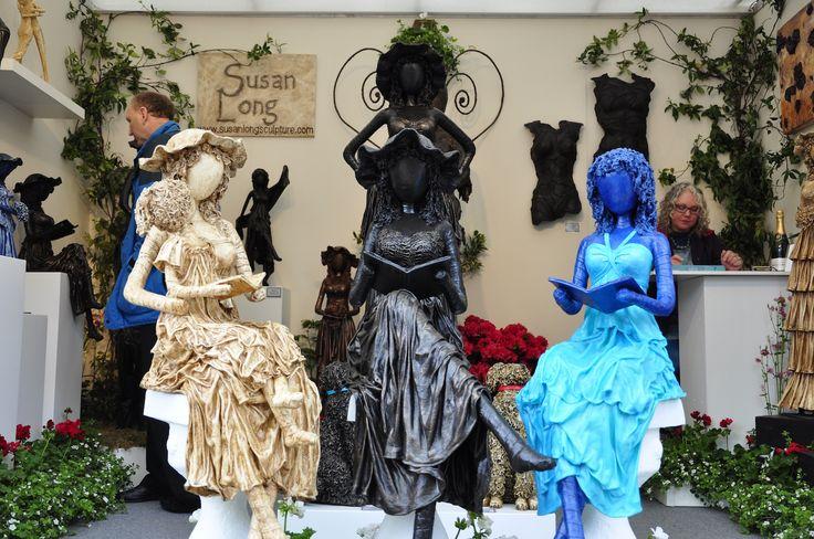 """Sztuka martwa czy ożywiona? Oto pytanie :) Targi Chelsea Flower Show są niebywałą okazją do podejrzenia trendów panujących w ogrodnictwie. Nagradzane ogrody najbardziej znanych specjalistów, cała gama roślin oraz elementów z pogranicza sztuki i designu - takie są londyńskie targi. Redakcja """"Mojego Pięknego Ogrodu"""", """"Przepisu na Ogród"""" oraz """"Kocham Ogród"""" szukała na wystawie inspiracji do kolejnych materiałów, efekty poszukiwań zobaczycie w galeriach na naszym profilu Pinterest."""