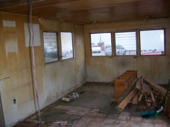 Single Wide Mobile Home Before Remodel 1 Home Pinterest