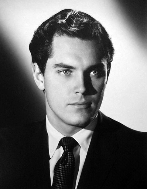 Jeffrey Hunter, Nov.25,1926 - May 27,1969. He was injured in an on-set explosion & sustained a serious concussion. He went into shock on plane ride back to the US. At the hospital Dr.'s couldn't find any serious injury, just a displaced vertebra & concussion. On May 26 he suffered an intracranial hemorrhage while on a set of stairs. He fell & hit his head fracturing his skull. He underwent brain surgery but died the next morning.