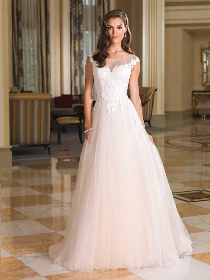 30 vestidos de corte princesa para novias clásicas