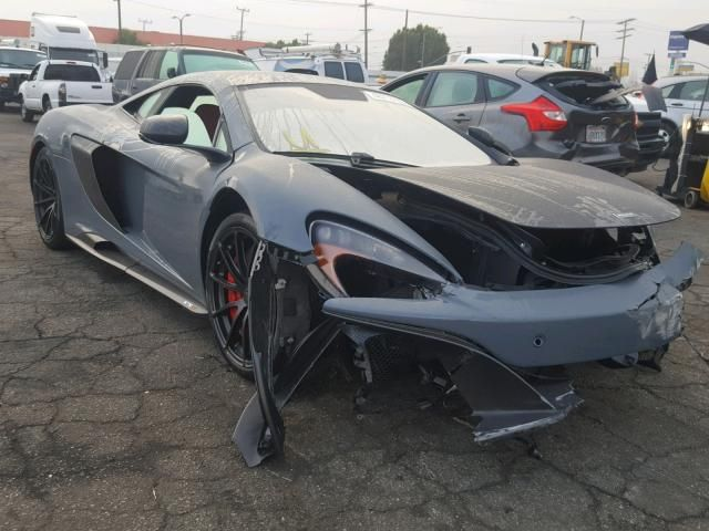 Salvage 2016 Mclaren Automotive 675lt Car Amazing Cars Super Cars
