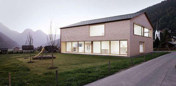 Yes.: Wooden Houses, Minimalist Architecture, Small Yard, Bernardo Bader, Houses Ideas, Minimalist Wooden, Simple House, Houses Design, Architecture Design